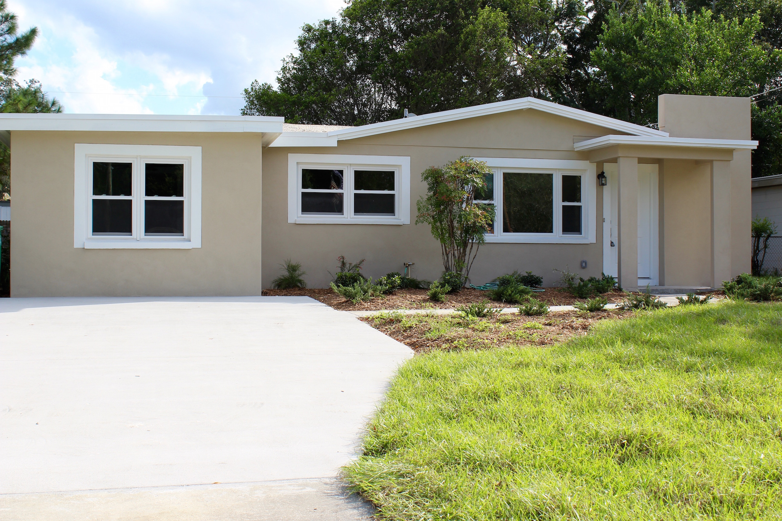 2918 W Rogers Ave, Tampa, FL 33611